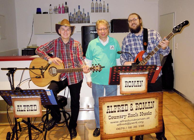 Alfred Pertl, Kurt Broneder und Roman Pertl bei der Weihnachtsfeier des Schachvereines mit ALFRED und ROMAN