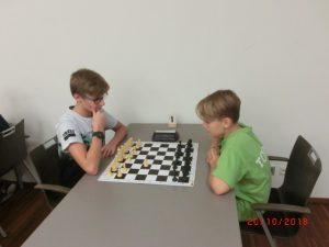 Kurt Broneder (links) im Kampf gegen den späteren Turniersieger Tobias Englisch